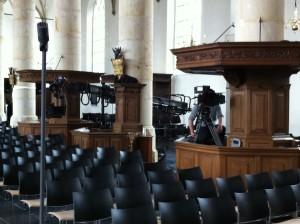 filmcamera's in de Grote Kerk in Naarden